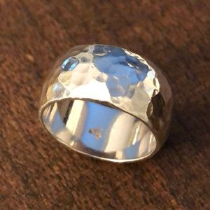 Silpada .925 Sterling Silver hammered ring